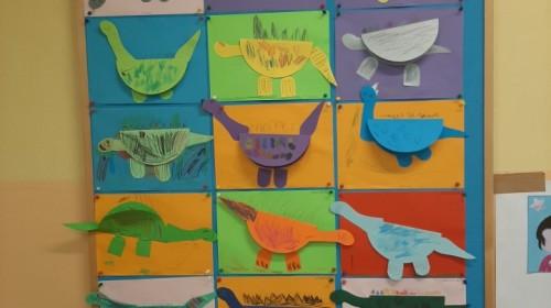 """Obrazek galerii """"Jak wyglądał świat przed milionami lat""""- grupa 3."""