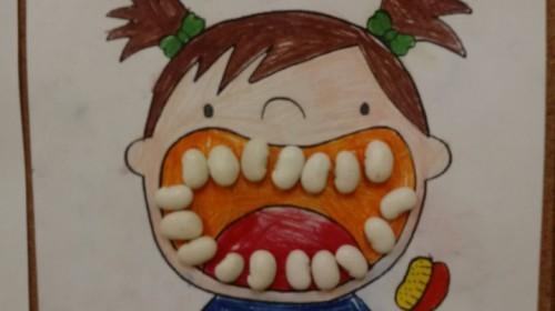 """Obrazek galerii """"Kto chce zdrowe zęby mieć musi tylko chcieć!""""- grupa 5."""