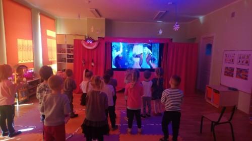 Obrazek galerii Interaktywne spotkanie z teatrem, filmem i cyrkiem - ''Alicja online''.